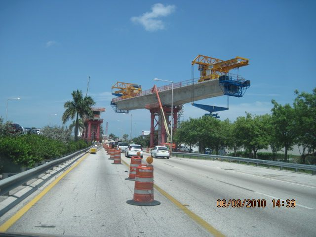 MetroRail - Installation of Guideway Sections over SR 112